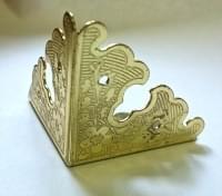 Уголок декоративный 34*34*34 мм золото